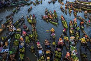 APAS Honor Mention - Xiaoqing Xiaoqing (China)  Floating Market