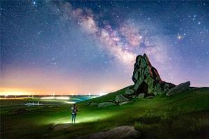 APAS Honor Mention - Junlin Tang (China) <br /> Night Vision Grassland